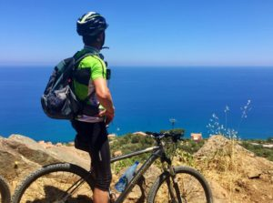 Panorama-Radtour in Cefalù, Sizilien